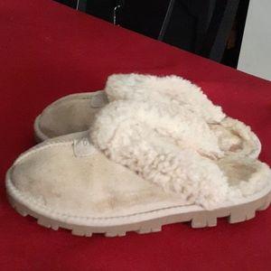 Ugg slipper.